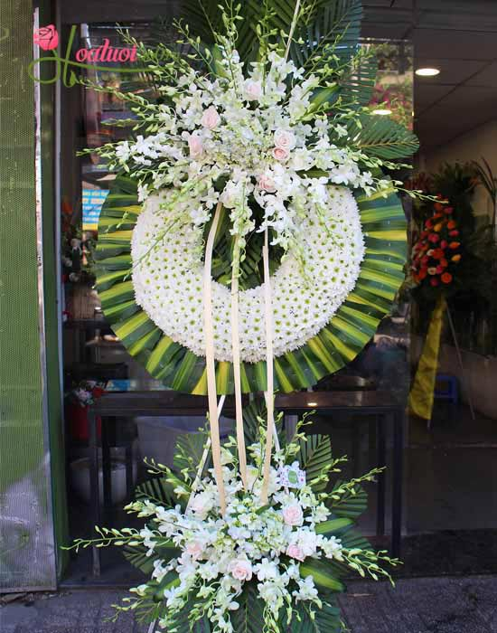 Vòng hoa tươi - thành kính phân ưu